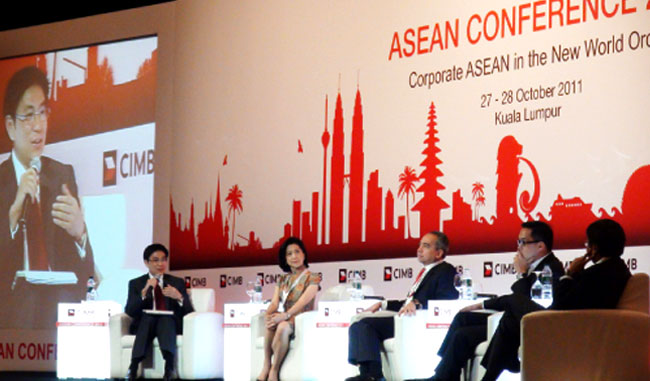 John Pang moderated the Panel Discussion on Realising the AEC at CIMB's ASEAN Conference 2011